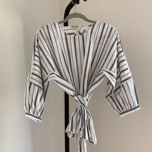 dRA Black and White Striped Balloon Sleeve Blouse